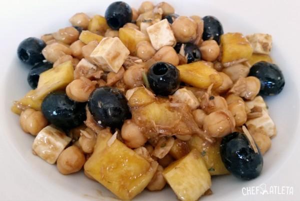 Ensalada de garbanzos con mango y vinagreta de estragón