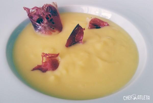 Receta Crema fría de melocotón con crujiente de jamón